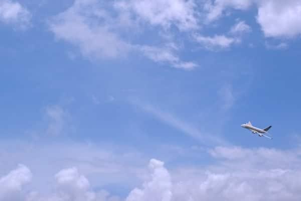 Avion qui décolle
